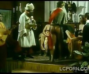 Beautiful vintage babes fuck in medieval masqueraded