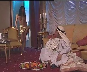 Vintage porn of the Venere Bianca with an arabian sultan